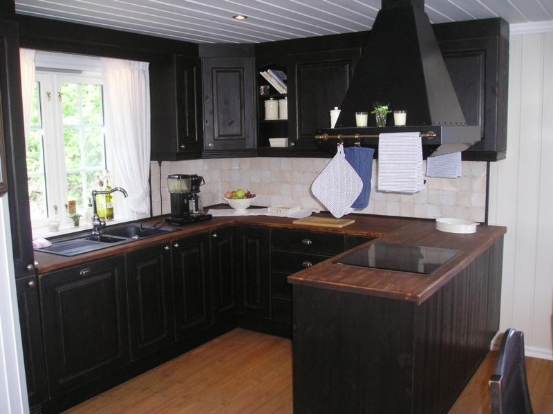 Skreddersydd standard hyttekjøkken som kan leveres med ekslusiv ...